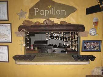 Papillon Service Window